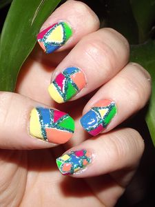 Rerelle-nail-art-concours-geometrie--liily-nail-art.JPG