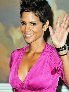 halle-berry-sweat-patch-278x368