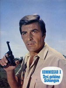 Kommissar_X_Tony_Kendall_with_gun.jpg
