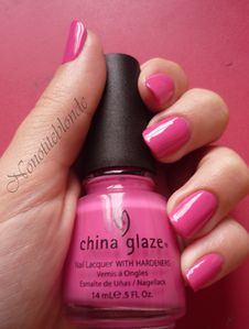 rich-and-famous-CHINA-GLAZE--4-.JPG