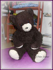 2014.02.27-4- Pouf repose-pied et son ours