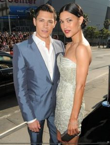 alex meraz & julia jones