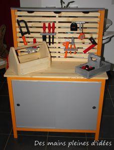 un tabli pour enfant. Black Bedroom Furniture Sets. Home Design Ideas