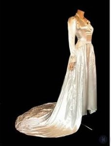 Example of Bella's wedding gown 2