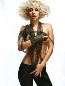lady-gaga-topless-005.jpg