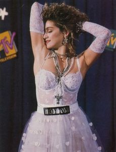 Like-a-Virgin-aux-MTV-Video-Music-Awards-de-1984 2244399-M