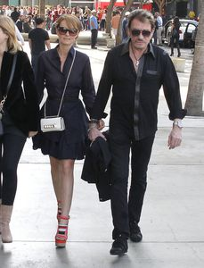 Photos-Johnny-Hallyday---Laeticia-Hallyday-du-18-F-copie-2.jpg