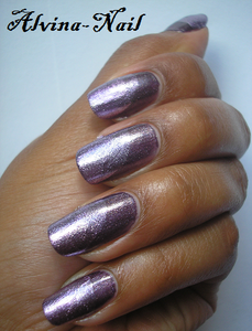 essence-purple-diamond2---Alvina-Nail.png