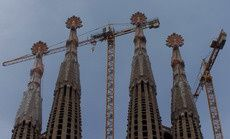 sagradafamilia-grues.jpg
