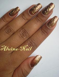 choco-gold2-Alvina-Nail.png