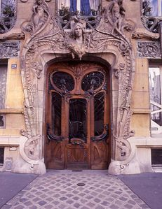 Art-20Nouveau-20doorway--20Paris.jpg