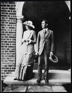 virginia-woolf-_and_leonard-w_1912.jpg