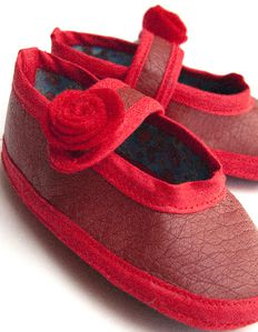 chausson-babies-rouge-2.jpg