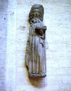 Eglise-Saint-Jacques-du-Haut-Pas-statue.jpg