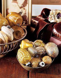 gold-ornaments-de