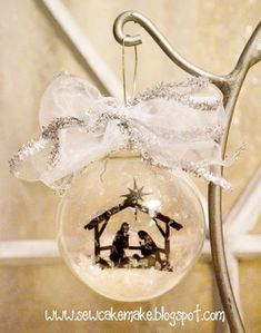diy-glass-christmas-tree-ornaments-7-500x637.jpg