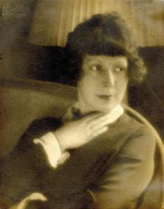 Man-Ray---Portrait-de-Marie-Laurencin--1924.png