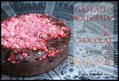 g&#xE2;teau mousseux choco-fraise-pralines