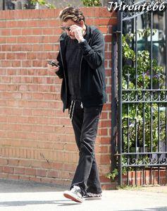 Johnny-Hallyday--Photos-du-13-avril-2011-n3.jpg