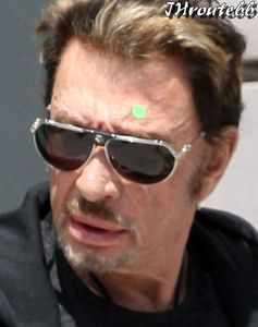 Johnny-Hallyday--Photos-du-13-avril-2011-n5.jpg