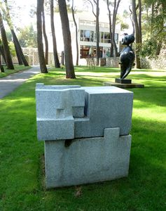 Fondation-Maeght-exposition-Chillida-oct-2011-002.jpg