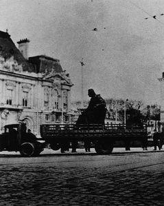 Depart-de-la-statue--janvier-1942.jpg