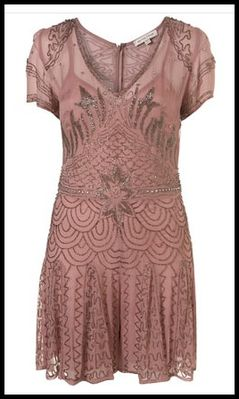 Kate-Moss-pour-Topshop-robe-vieux--rose-brodee.jpg