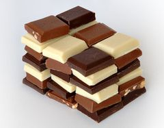 300px-Chocolate_pieces.jpg