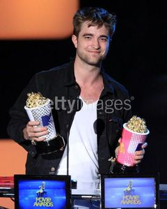 Robert Pattinson Number on Robert Pattinson Et Kristen Stewart Ont Remport   Le Si Convoit