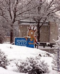 Yoggl mascotte des jeux olympiques à Innsbruck