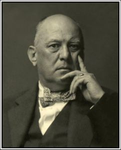 Aleister-Crowley-Life-Pics-8---Aleister-Crowley---Famous-Pe.jpg