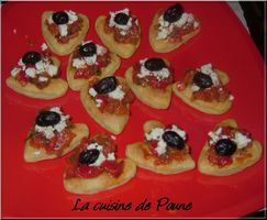 FEUILLETES ST VALENTIN - TOMATES POIVRONS ET FETA
