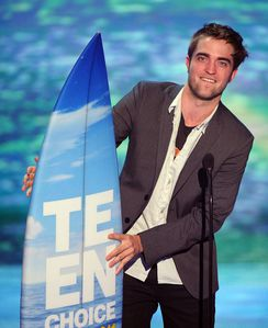 TCA 2011 - Rob winning Best Vampire Award 1