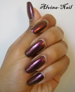 model-own-pinky-brown-couleur-automne-Alvina-Nail.png