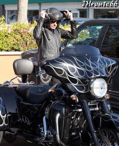Johnny-Hallyday-Takes-Wife-Laeticia-On-A-Motorcycl-copie-5.jpg