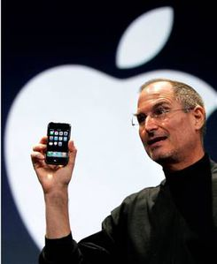steve-jobs-iphone-apple.jpg