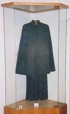 St-Gemma-black-wool-dress.jpg