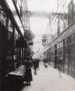 Passage-du-Grand-Cerf-en-1907--Photo.-Atget-r.jpg