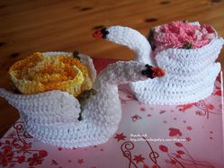 cygnes-fleurs-crochet-decoration-cadeau.jpg