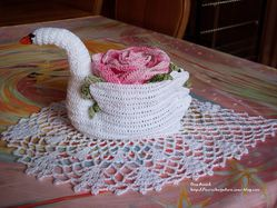grand-cygne-fleuri-rose-decoration-crochet