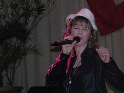 A-Denise-singt.JPG