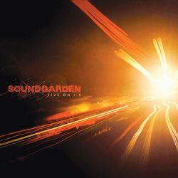 04-2011-Soungarden-LiveOnI-5.jpeg