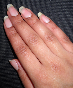 coupe-ongle-mi-janvier-9mm-6-Alvina-Nail.png