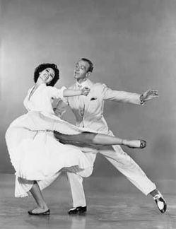 The-Band-Wagon---Fred-Astaire-et-Cyd-Charisse-3.jpg