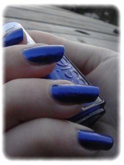 Essie---Aruba-blue-article-1.jpg