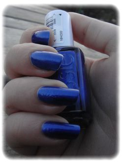 Essie---Aruba-blue-article-2.jpg