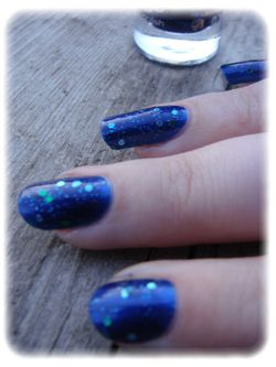 Essie---aruba-blue-article-4.jpg