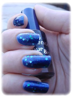 essie---aruba-blue-article-5.jpg
