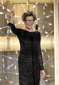 Annette-Bening-68th-Annual-Golden-Globe-Awards-nLCSYTBfWtQl.jpg