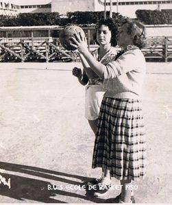 1950 BUS école de basket 02